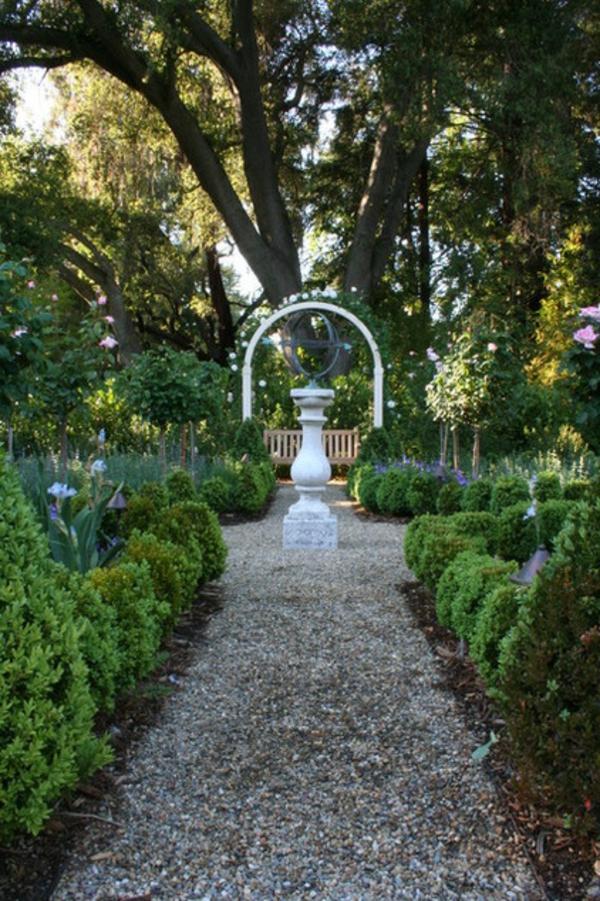 sonnenuhr pflanzen traditionell landschaft gartengestaltung