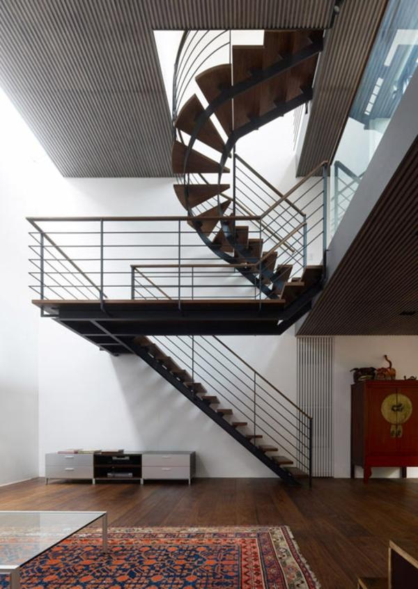 treppe spiralform holz metall