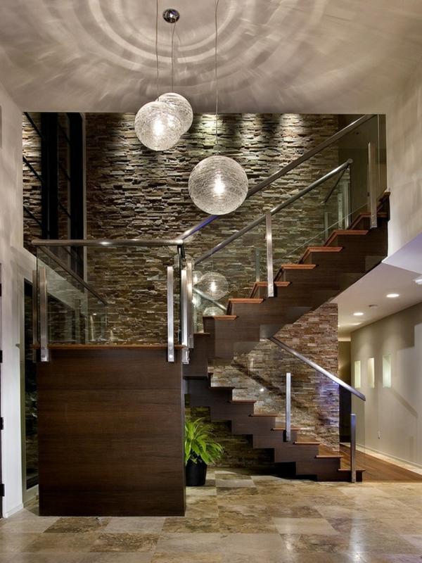 treppenhaus holz glas geländer pendelleuchten