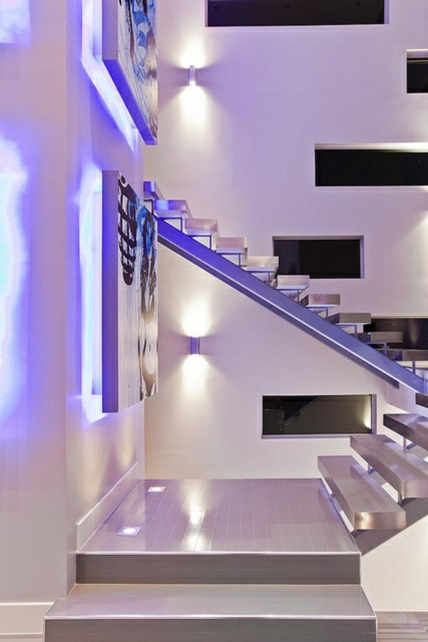 ultramodernes treppenhaus lila neon beleuchtung wand
