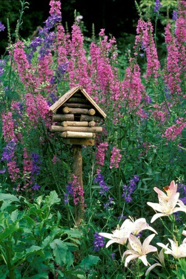 vogelhäuschen selber bauen holz umweltfreundlich pflanzen