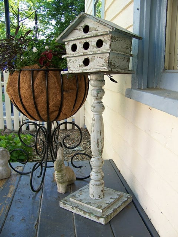 holz umweltfreundlich vogelhäuschen selber bauen ständer