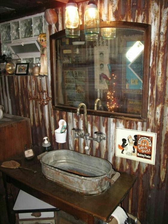 waschbecken hängeleuchten rustikale badmöbel holzeinrichtung badezimmer landhausstil