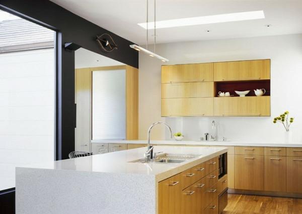 gemischt materialien dachfenster weiß kücheninsel holz