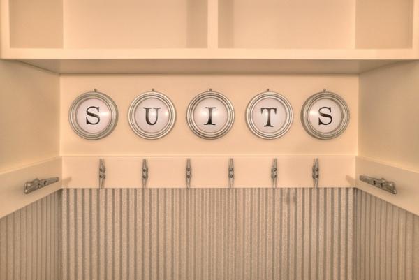 5 stellen zu hause an denen wellblech wunderbar aussieht. Black Bedroom Furniture Sets. Home Design Ideas