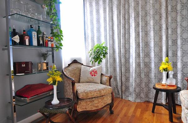 wohnzimmer dekoideen stilvoll modern glasregal