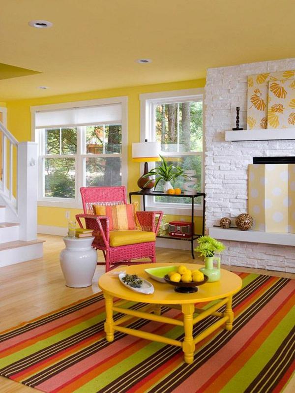 wohnzimmer einrichtungsideen gelbe wandgestaltung und akzente