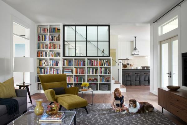 wohnzimmer ideen möbel bücherregal teppich holzboden verlegen