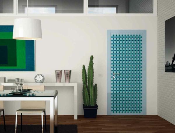zimmertüren kontrastfarbe hell blau