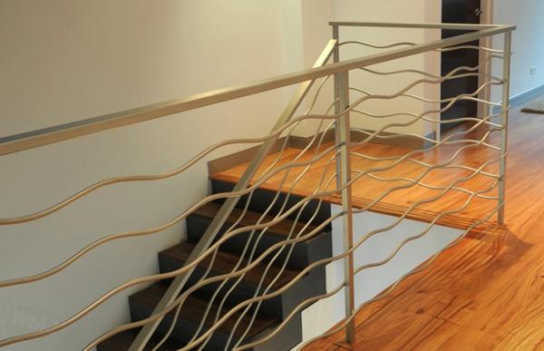 Аbsturzsicherung Geländer wellen treppe