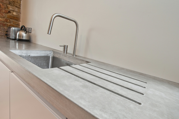 beton wand küche arbeitsplatte spüle