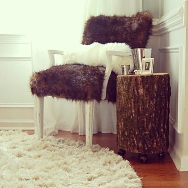 Beistelltisch sessel sitzecke Holzblock fell pelz