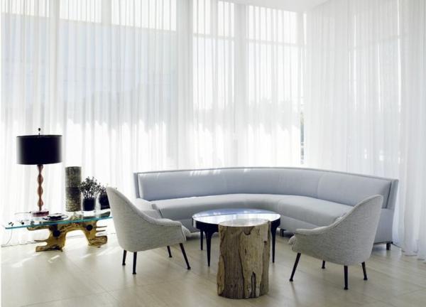 Beistelltisch aus Holzblock grau sofa