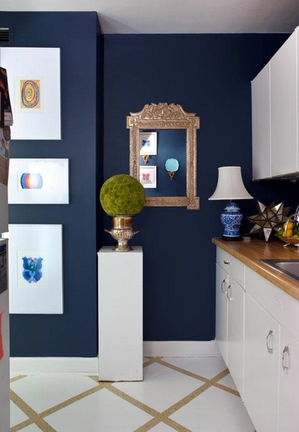 Farbideen königsblau Wände wandgestaltung wohnzimmer schwarz