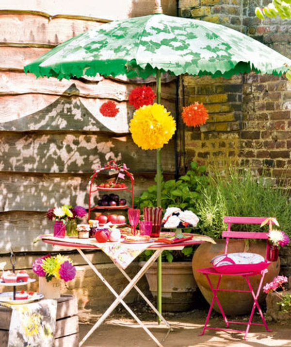 Gartendeko  selber machen sonnenschirm bunt