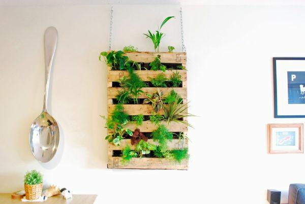Möbel aus Europaletten pflanzenständer hängend