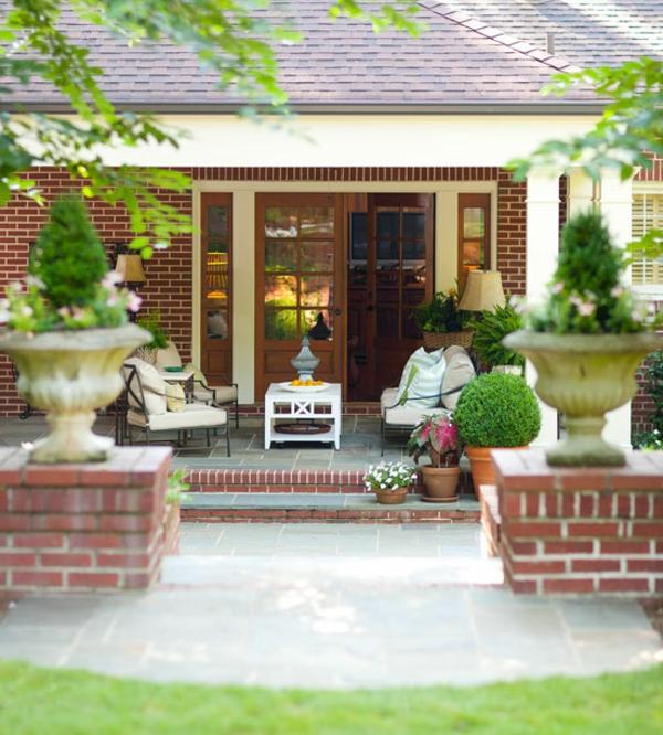 Moderne terrassengestaltung ideen holz möbel hinterhof