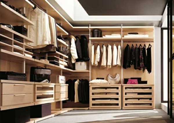 offene kleiderschranksysteme begehbare kleiderschr nke. Black Bedroom Furniture Sets. Home Design Ideas