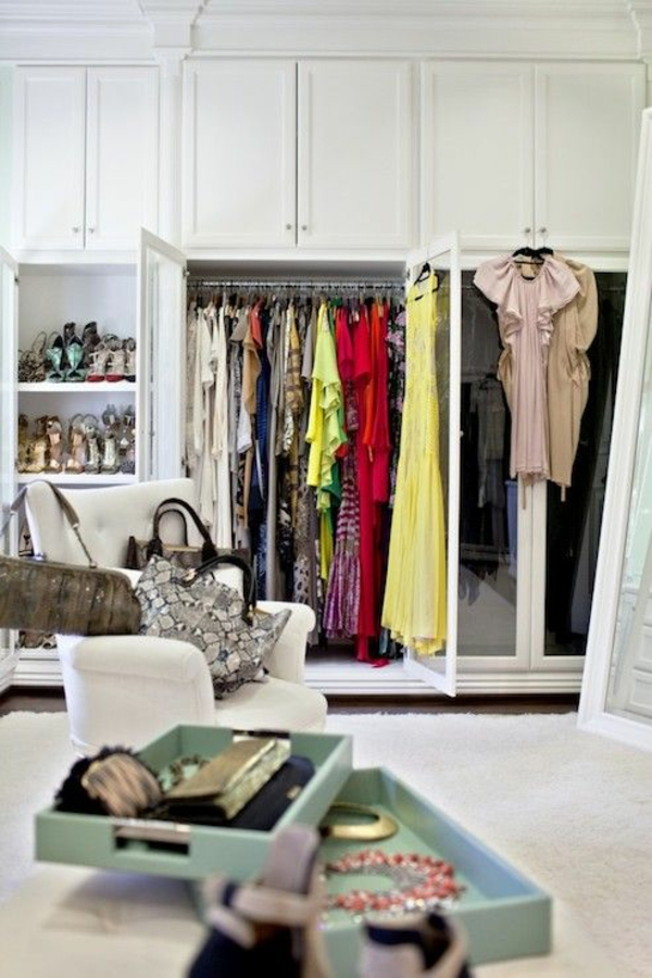 Kleiderschranksysteme begehbarer kleiderschrank kleiderbügel