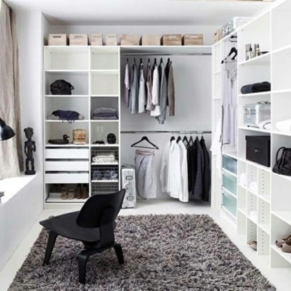 Offene Kleiderschranksysteme begehbarer kleiderschrank schminktisch