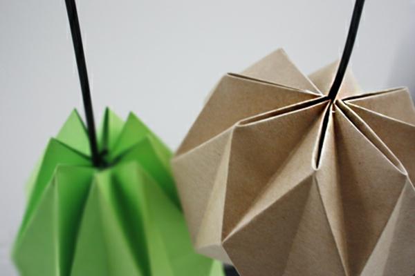 Lampenschirm Anleitung braun grün Origami