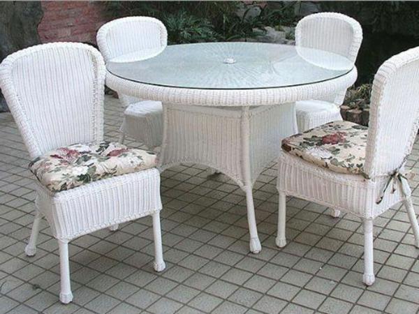 gartenmöbel aus Polyrattan lounge gartenmöbel stühle tisch