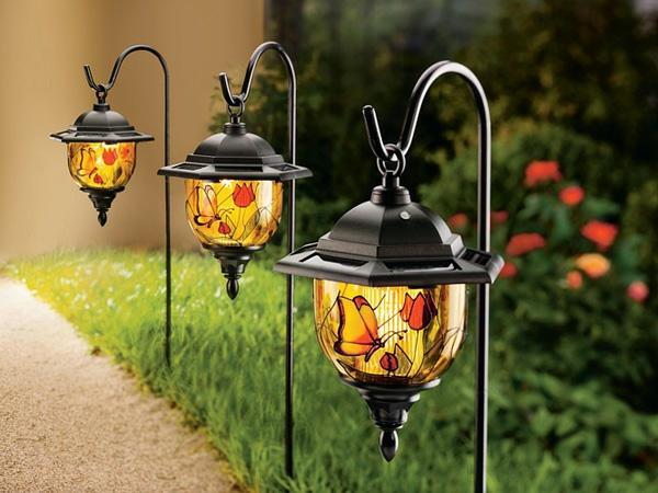 Solarleuchten im Garten stehlampen traditonell