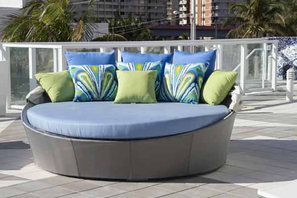 Coole Ideen für Tagesbett im Garten - Aquabett von Source Outdoor