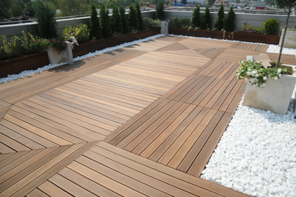 Terrassenboden aus Teakholz massiv