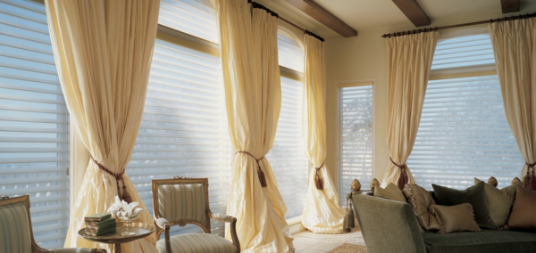 fensterladen Wohnzimmer gardinen bemerkenswert vorhänge stadt