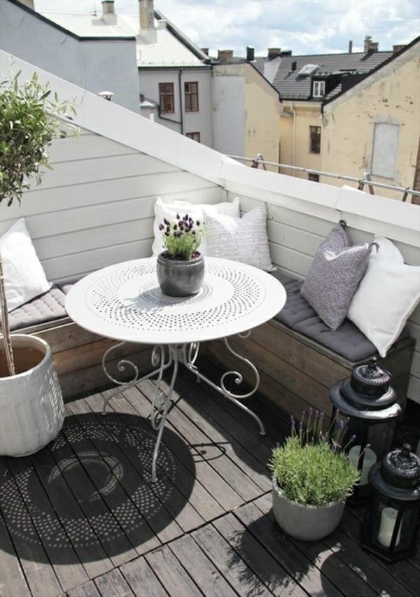 außen architektur balkon sichtschutz holz rundtisch