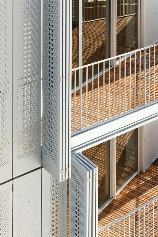 außen architektur balkon seitensichtschutz zeitgenössisch