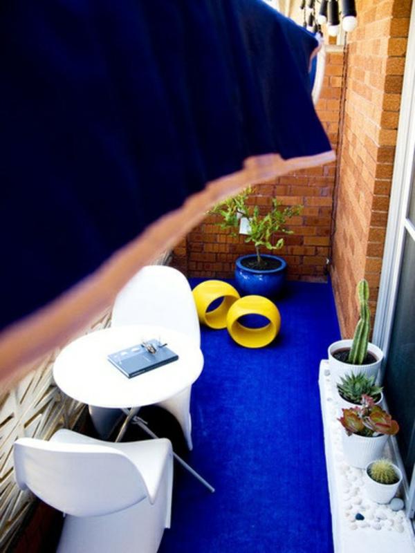 balkon klein balkon teppich blau dekoration