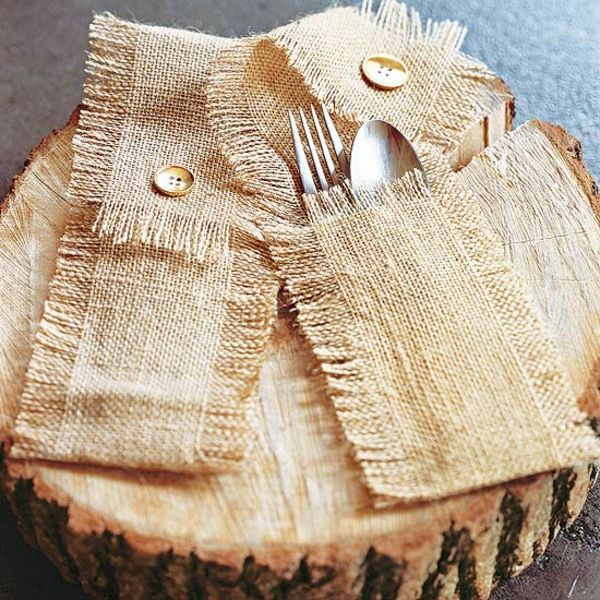 bastelideen mit naturmaterialien herbst tischdeko besteck hülle jute stoff