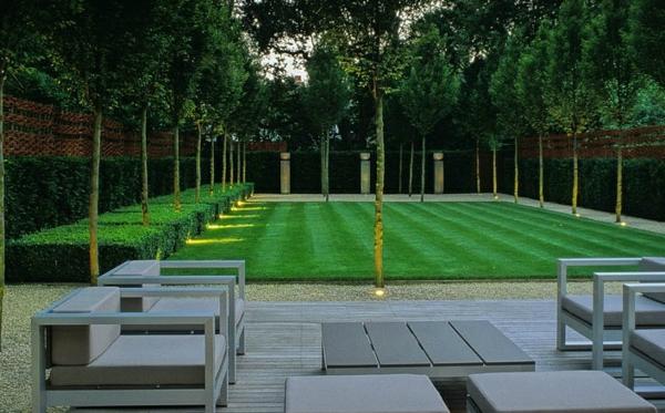 beispiele für moderne gartengestaltung garten symmetrisch rasen bäume