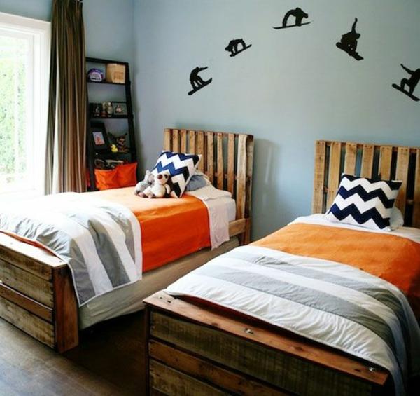 bett aus europaletten diy möbel schlafzimmer komplett zwillingsbetten