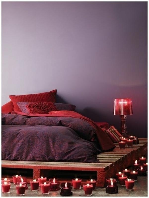 bett aus paletten bauen diy möbel schlafzimmer ideen kerzen