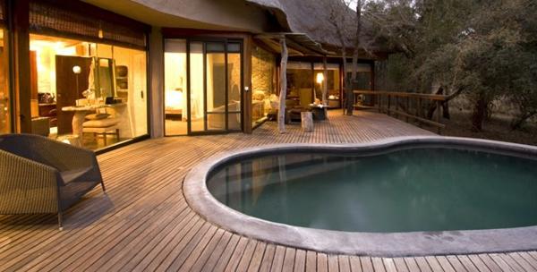 bilder pool garden schwimmbecken ideen beleuchtung
