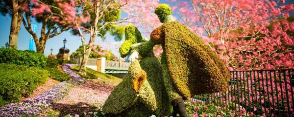 garten figuren buchsbaum formschnitt  helden disney