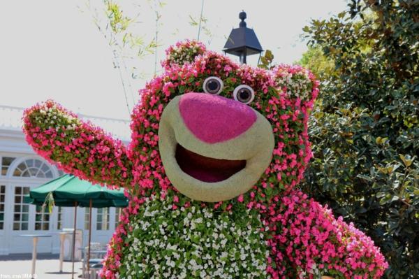 buchsbaum kinder formschnitt garten figuren rosa bär