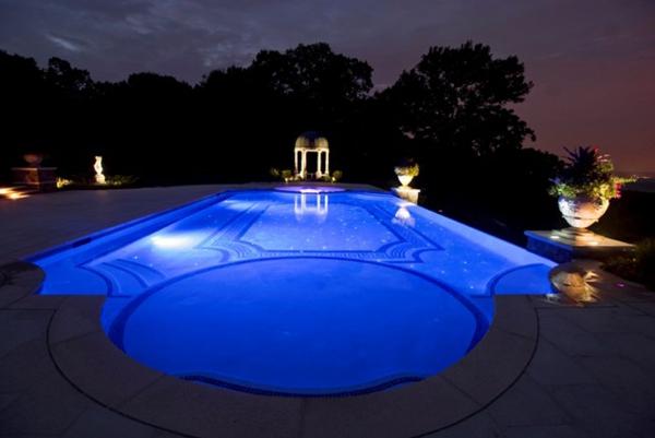 klassisch schwimmbecken garten idee