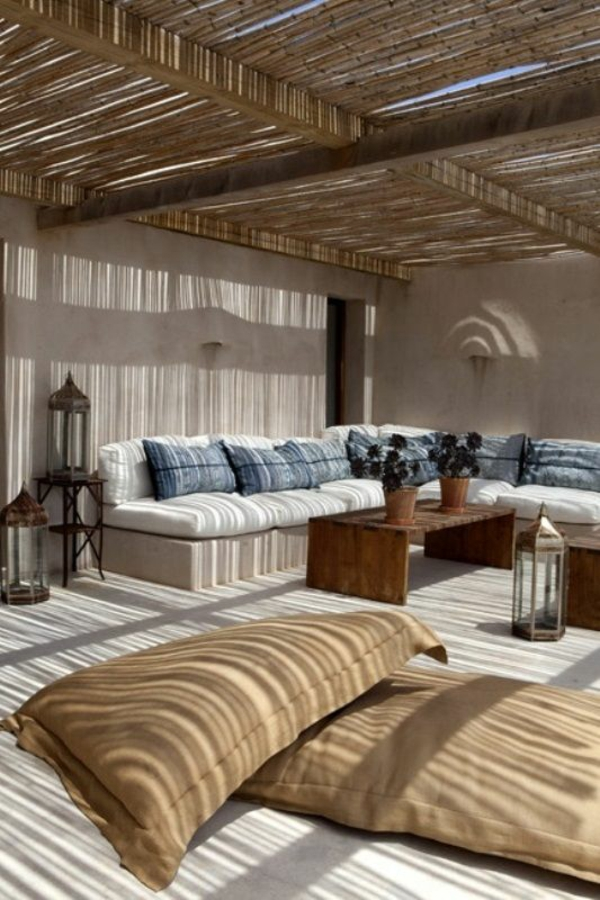 dachterrasse gestalten terrassenüberdachung aus bambus sicht und sonnenschutz