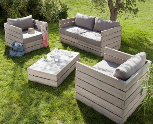 wohnzimmer paletten:Outdoor Furniture Made From Pallets