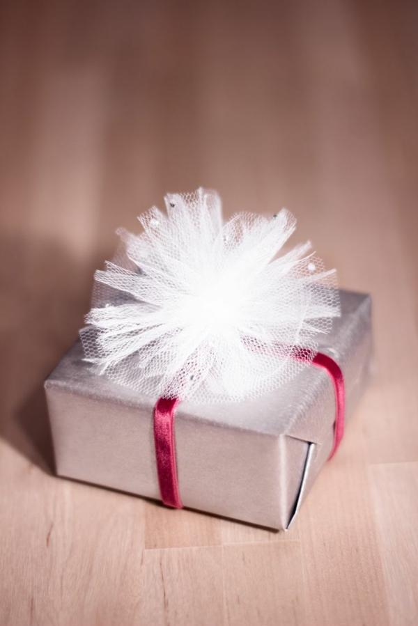 diy ideen geschenke schön verpacken geschenkband tüll schmuck