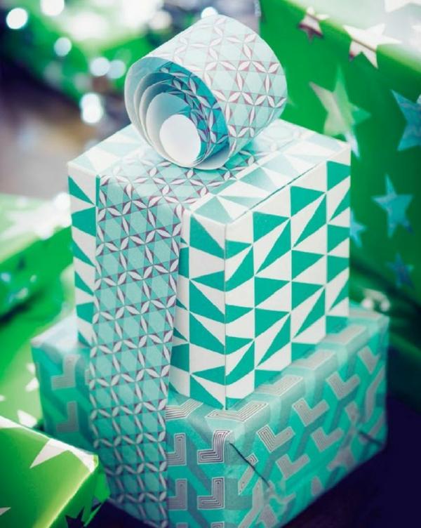 diy ideen geschenkverpackung farbiges geschenkpapier geschenkband