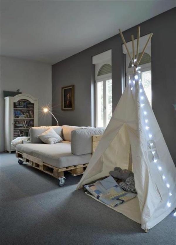 paletten sofa wohnzimmer:DIY Pallet Couch