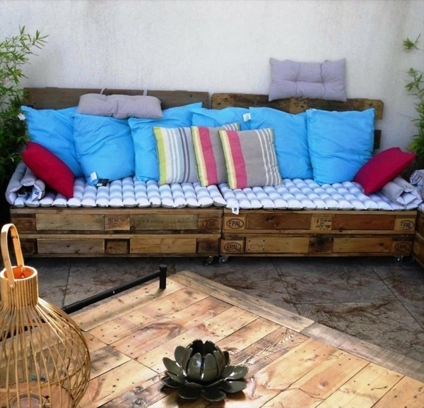 diy sofa aus paletten gartenmöbel selber bauen