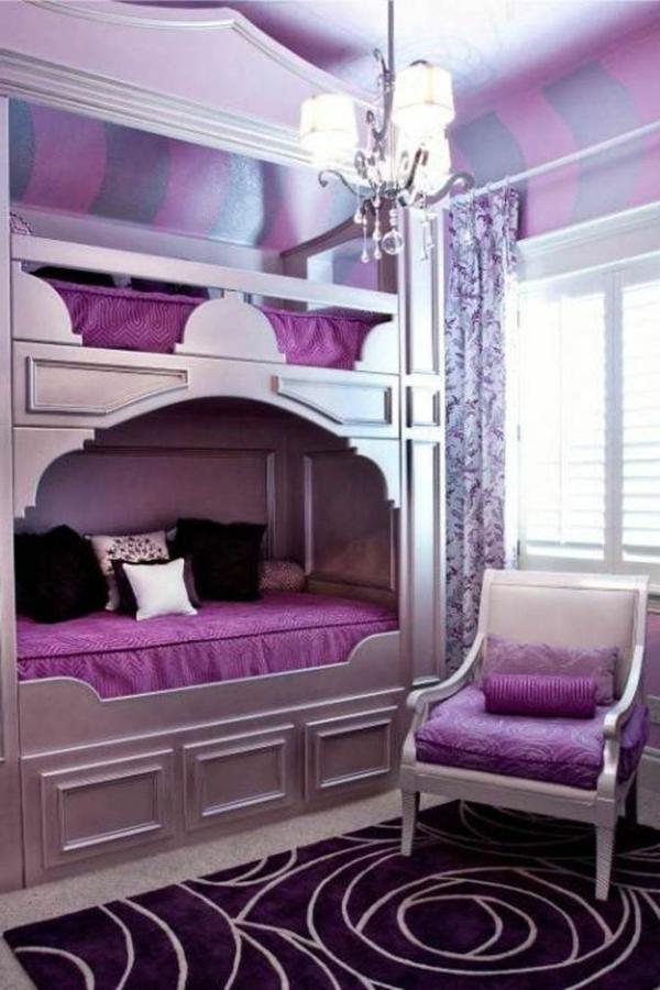 einrichtungsideen lila schlafzimmer etagenbett teppich kronleuchter