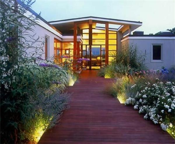 exterior designideen vorgartengestaltung holzboden pflanzen