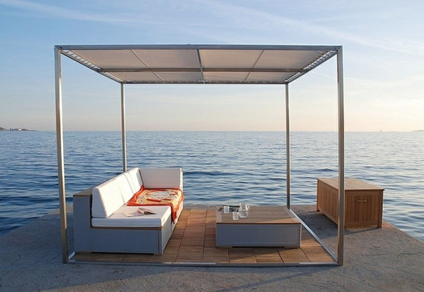 garten pergola metall entspannungsecke gestalten gartenmöbel sofa